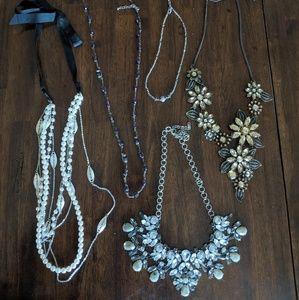 Costume jewelry lot/bundle